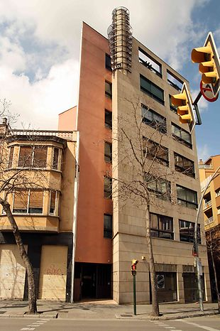 Local for use of offices for sale in the center of Girona